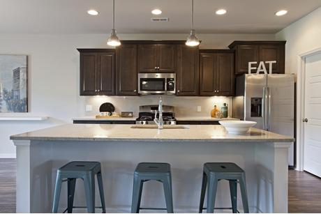 Kitchen-in-The Fairhaven-at-Colonial Pointe-in-Meridianville
