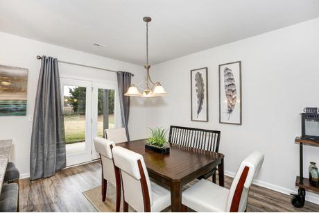Dining-in-The Lincoln-at-Colonial Pointe-in-Meridianville