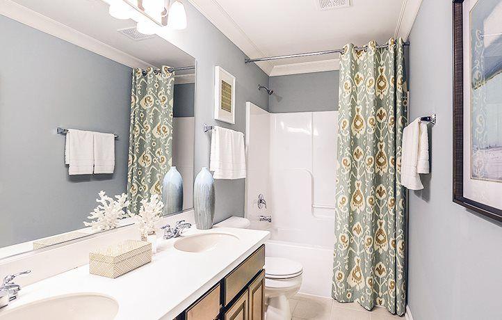 Bathroom featured in the Westbury ei By Lennar in Chicago, IL