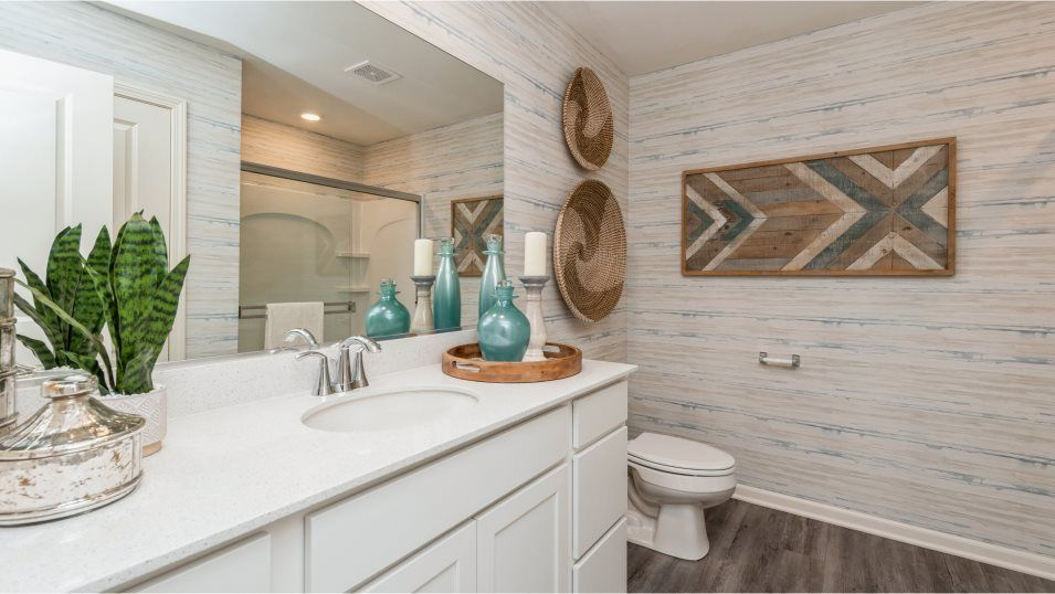 Bathroom featured in the Darcy By Lennar in Chicago, IL
