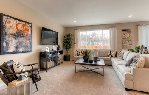 Greatroom-in-Hickory-at-Puget Meadows West-in-Lacey