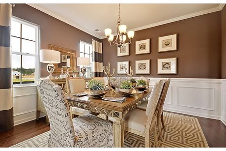 Dining-in-EVANS-at-Brickhope Plantation - Arbor Collection-in-Goose Creek