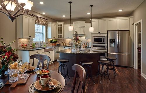 Kitchen-in-Sinclair-at-Ravinia - Ravinia Landmark Collection-in-Corcoran