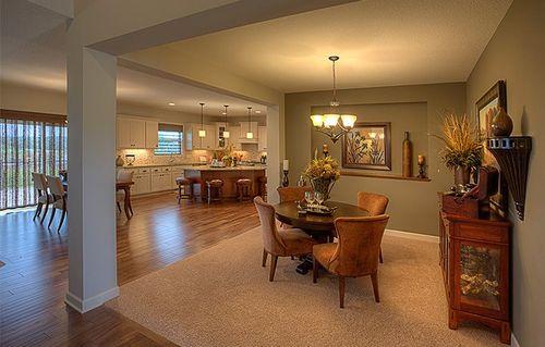Breakfast-Room-in-Washburn-at-Ravinia - Ravinia Landmark Collection-in-Corcoran