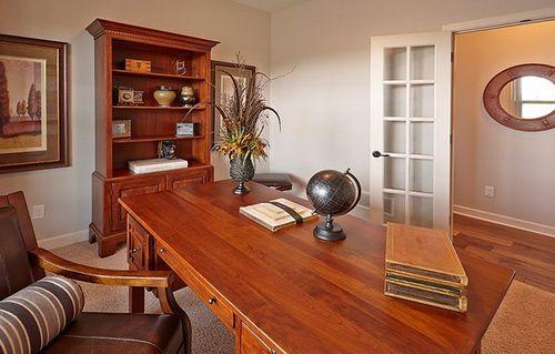 Study-in-Washburn-at-Ravinia - Ravinia Landmark Collection-in-Corcoran