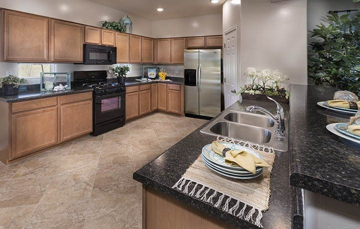Kitchen-in-Barbosa Plan 4070-at-Peak View - Discovery-in-Cave Creek