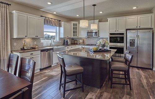 Kitchen-in-Calloway-at-Summerlyn Landmark Collection-in-Lakeville