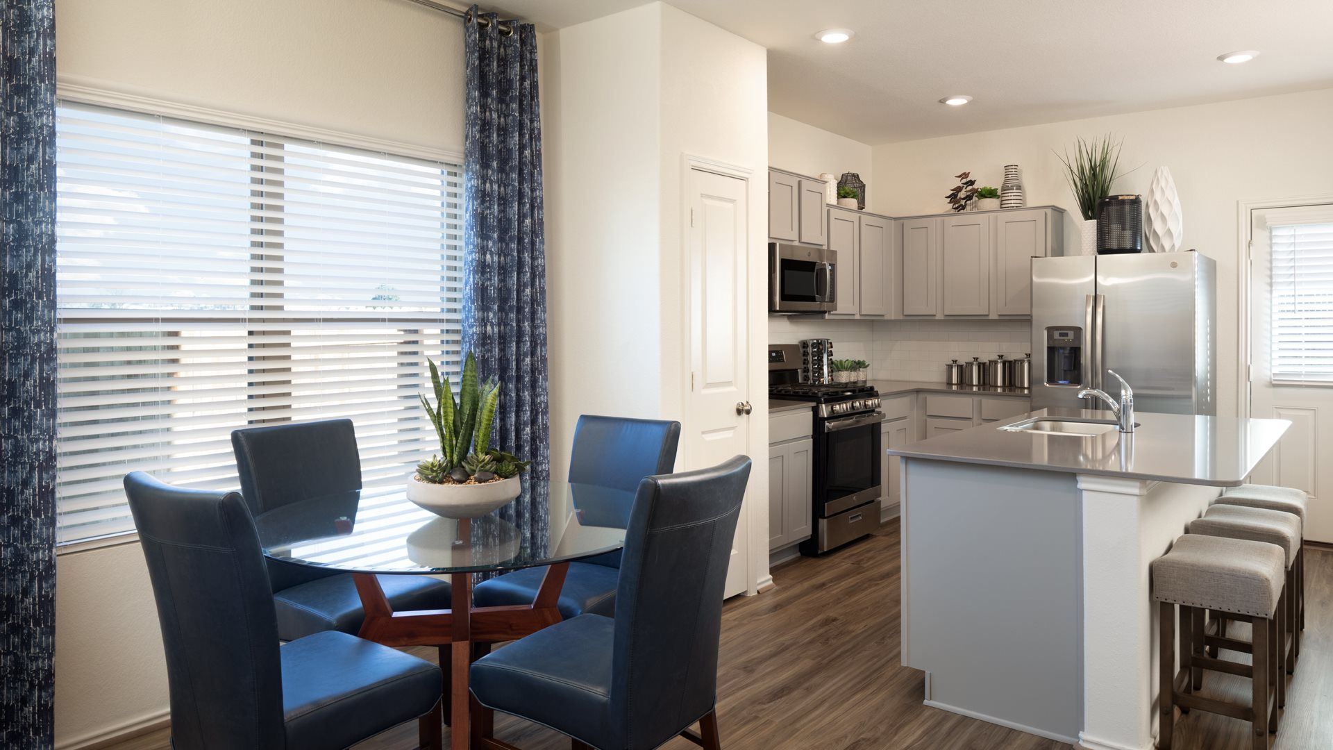 'Sun Chase - Haywood Collection' by Lennar - Austin Homebuilding in Austin