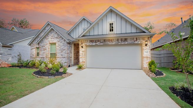 17429 Chestnut Cove Drive (Cabot)