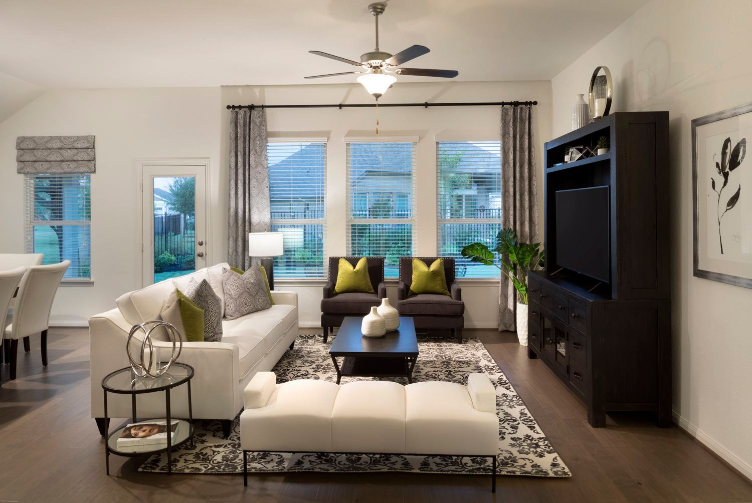 'Oaks at San Gabriel - Brookstone Collection' by Lennar - Austin Homebuilding in Austin