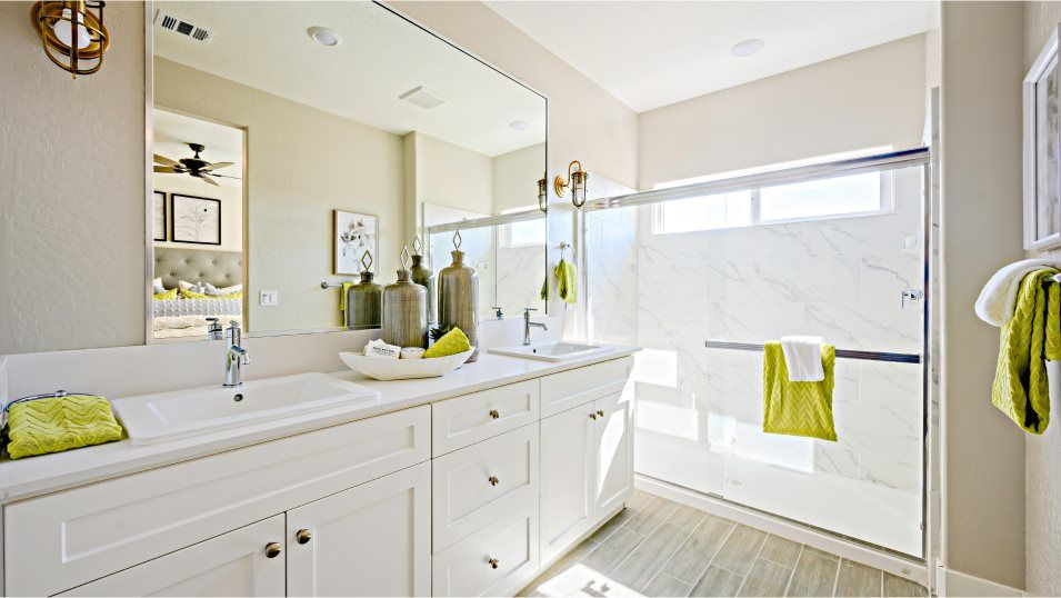 Bathroom featured in the Persimmon By Lennar in Bakersfield, CA