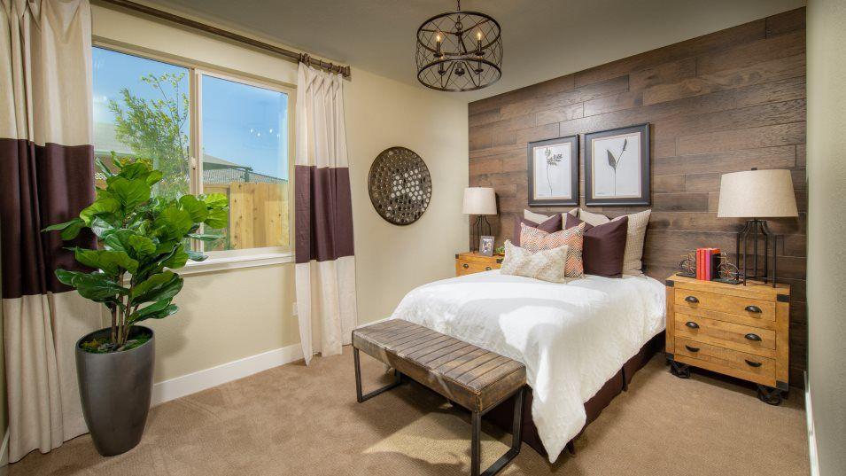 Bedroom featured in The Santa Barbara - Plan 2423 By Lennar in Sacramento, CA