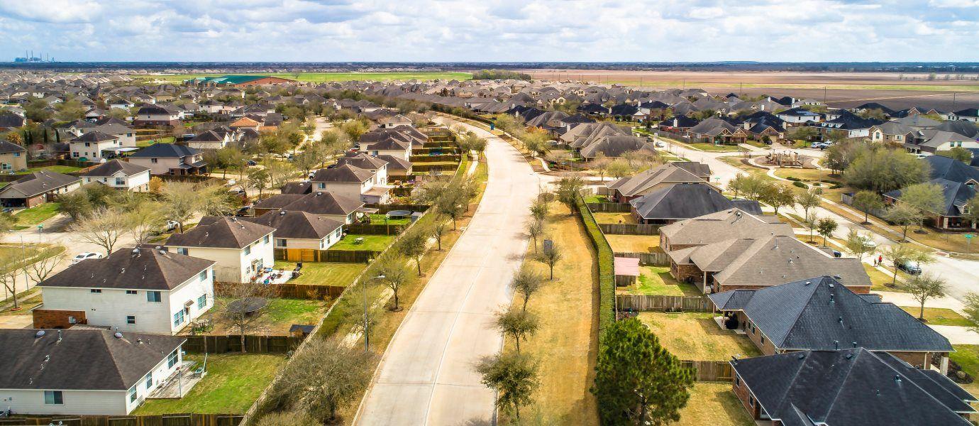 'Walnut Creek - Fairway Collection' by Lennar - Houston in Houston