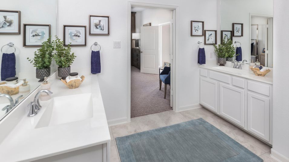 Bathroom featured in the Cantaron By Lennar in Houston, TX
