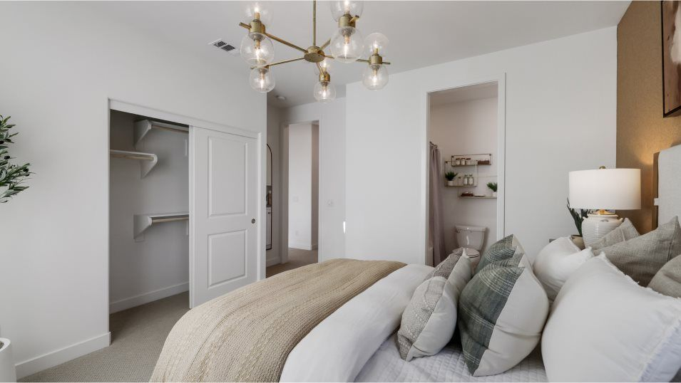 Bedroom featured in the Marigold 3 By Lennar in Los Angeles, CA