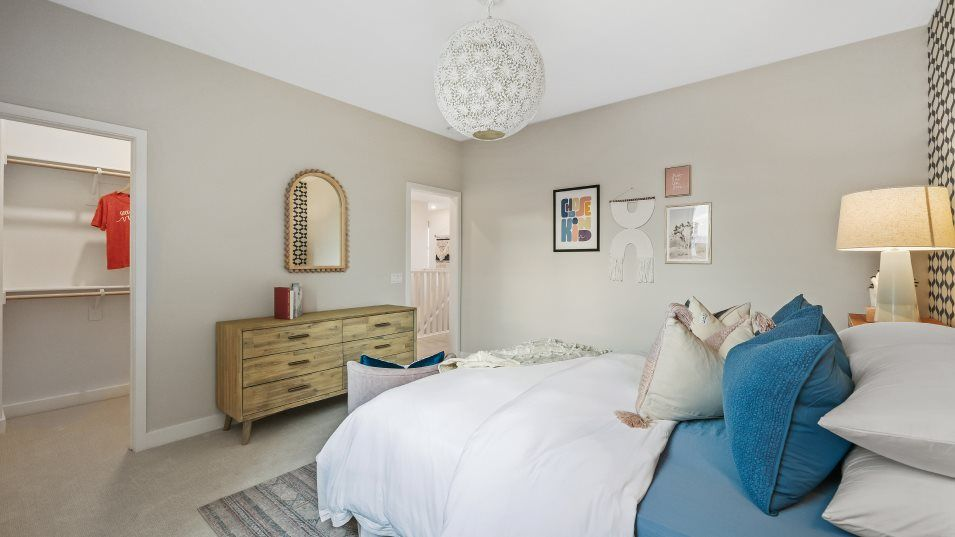 Bedroom featured in the Tulip 5 By Lennar in Los Angeles, CA