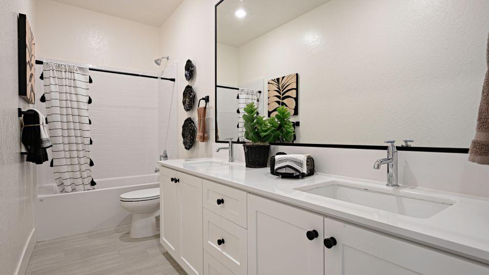 Bathroom featured in the Muir By Lennar in Bakersfield, CA