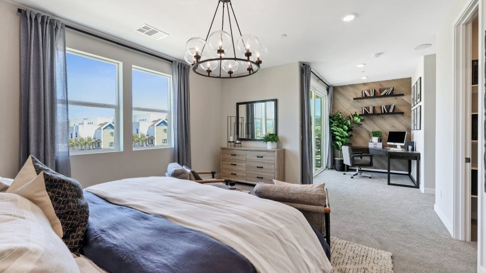 Bedroom featured in the Marigold 1 By Lennar in Los Angeles, CA
