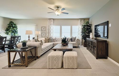 Greatroom-in-Hawthorne-at-Silver Oaks - Cambridge Collection-in-Visalia