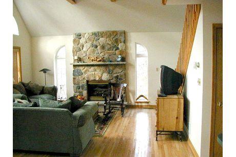 Greatroom-in-Lakewood-at-Liberty Homes Custom Builders-in-Pocono Lake