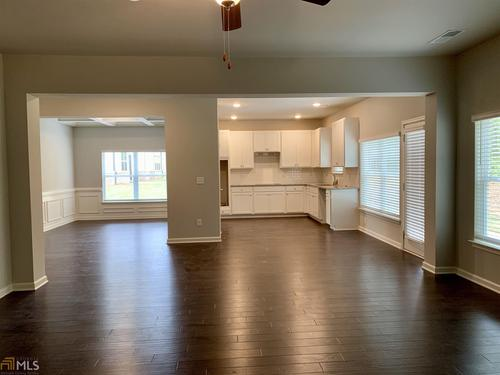 Kitchen-in-Sinclair-at-Brightwood on the Lake-in-McDonough