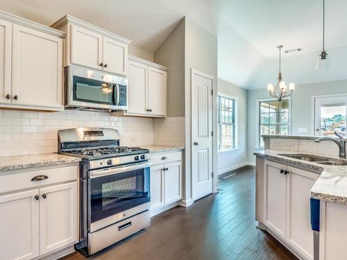 Kitchen-in-Ashton - StoneyBrooke Plantation-at-StoneyBrooke-in-Montgomery