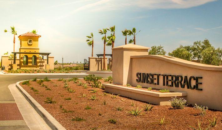 SunsetTerrace-PHX-Monument:Sunset Terrace - Entrance
