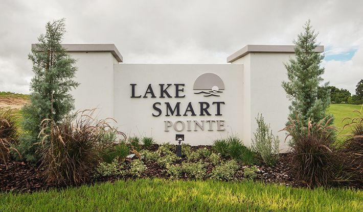 LakeSmartPointe-ORL-Monument:Lake Smart Pointe
