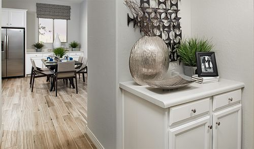 Wet-Bar-in-Onyx-at-The Ridge at Highland Meadows-in-Haines City