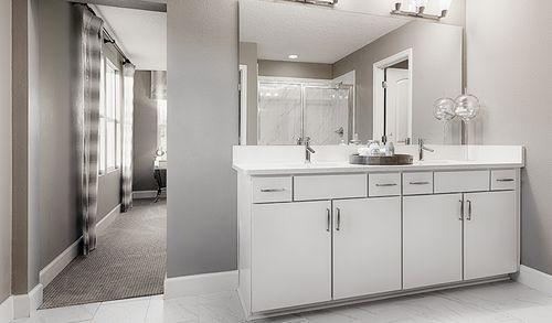 Bathroom-in-Moonstone-at-Watercrest-in-Auburndale