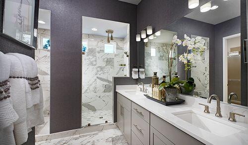 Bathroom-in-Decker-at-Brookfield-in-Emmitsburg
