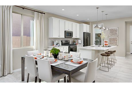 Kitchen-in-Sunstone-at-Seasons at Canyon Trails-in-Goodyear