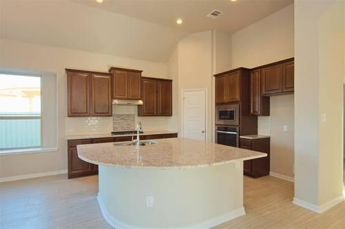 Kitchen-in-Burkburnett II-at-Foxbrook-in-Cibolo