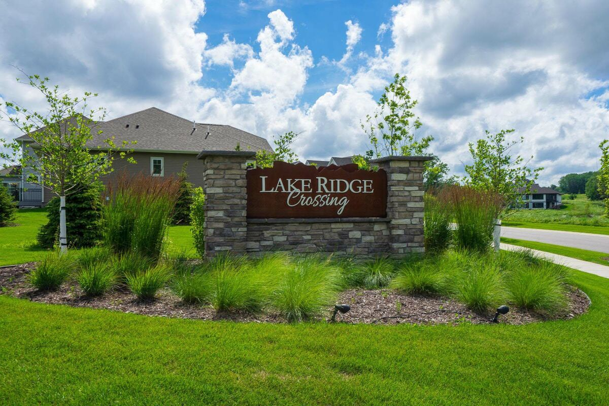 'Lake Ridge Crossing' by M/I Homes-Minneapolis in Minneapolis-St. Paul