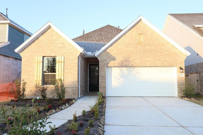 2135 Long Spring Drive (Marquette)
