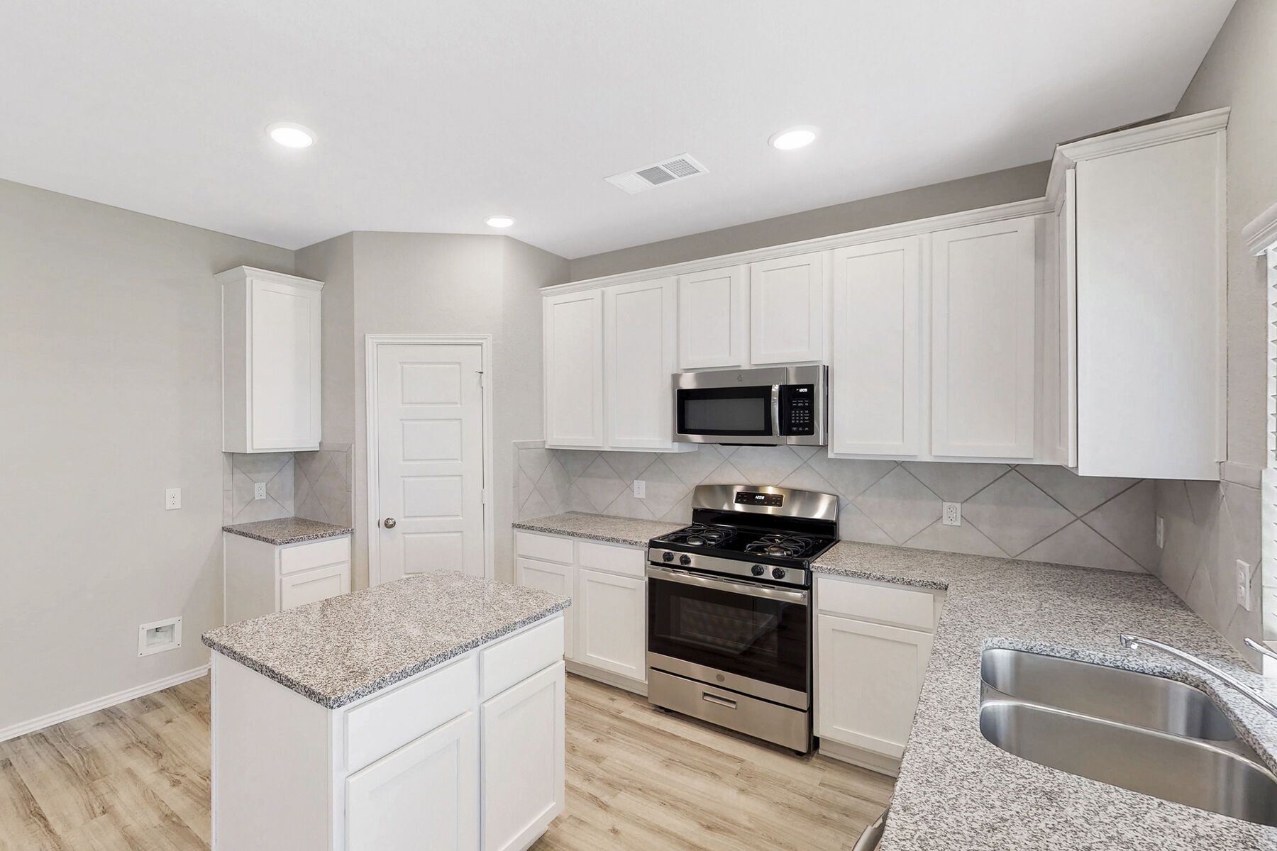 Kitchen featured in the Hudson By M/I Homes in Houston, TX