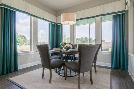 Breakfast-Room-in-Clearwater-at-Rosehill Reserve-in-Tomball