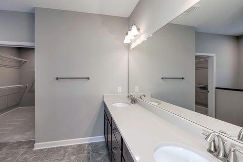 Bathroom-in-Aspen-at-Bass Lake Crossing-in-Corcoran