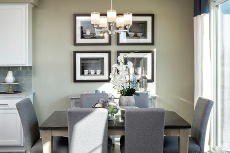 Dining-in-Mason-at-Whispering Hills Townhomes-in-Victoria