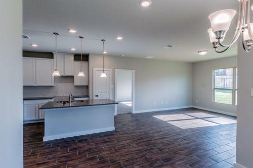 Kitchen-in-Lexington-at-Ladera-in-San Antonio