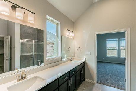 Bathroom-in-Nolan-at-Paloma Lake-in-Round Rock