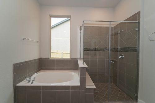Bathroom-in-Magnolia-at-Arcadia Ridge-in-San Antonio
