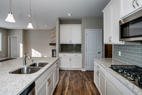 Kitchen-in-Aspen-at-Bass Lake Crossing-in-Corcoran