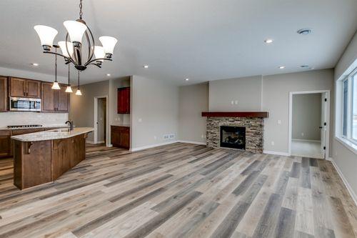 Kitchen-in-Cedarwood II-at-Bass Lake Crossing-in-Corcoran