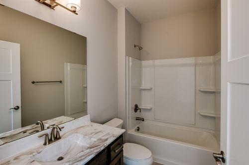 Bathroom-in-Graystone-at-Bass Lake Crossing-in-Corcoran
