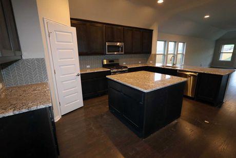 Kitchen-in-McKinney-at-Carmel Creek-in-Hutto
