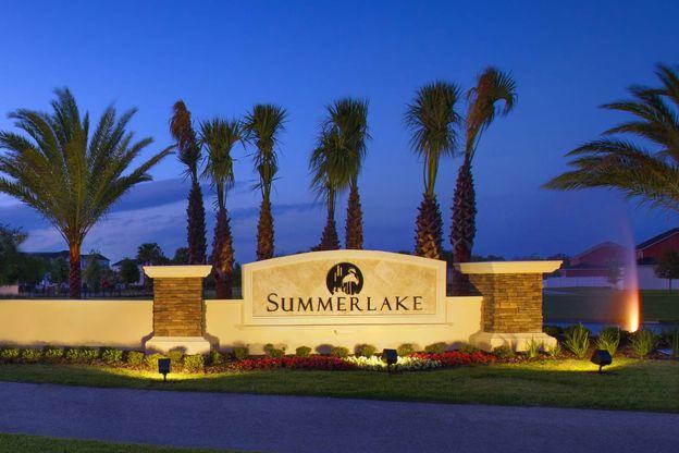 Summerlake Entrance
