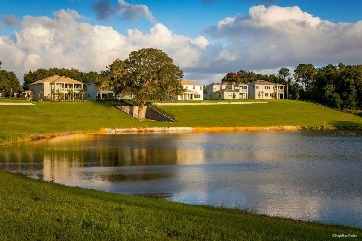 'Hull Island at Oakland' by M/I Homes-Orlando in Orlando