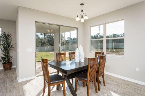 Breakfast-Room-in-Sonoma-at-Bay Meadow Farms-in-Longwood
