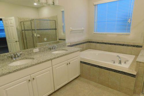 Bathroom-in-Picasso Bonus-at-Southfork Lakes-in-Riverview